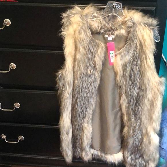 Xhilaration Jackets & Blazers - Fake fur vest